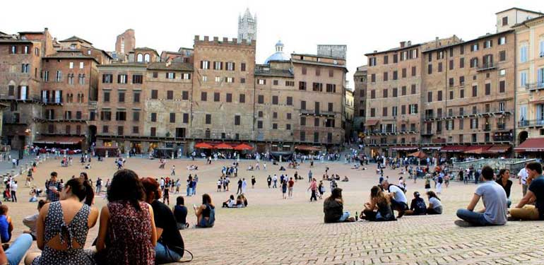 tuscany siena essay Visiting san gimignano: photo essay san gimignano, or town of fine towers, is a tiny village on a hilltop in the province of siena, tuscany.