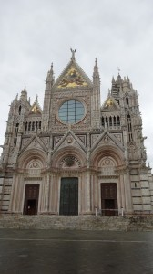 This is where I live! I never get tired of walking home to the Duomo and its overpowering elegance every day.